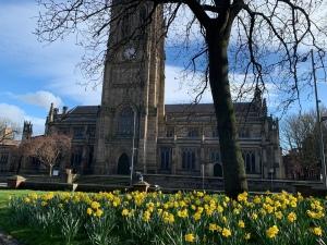 Leeds parish church daffodils
